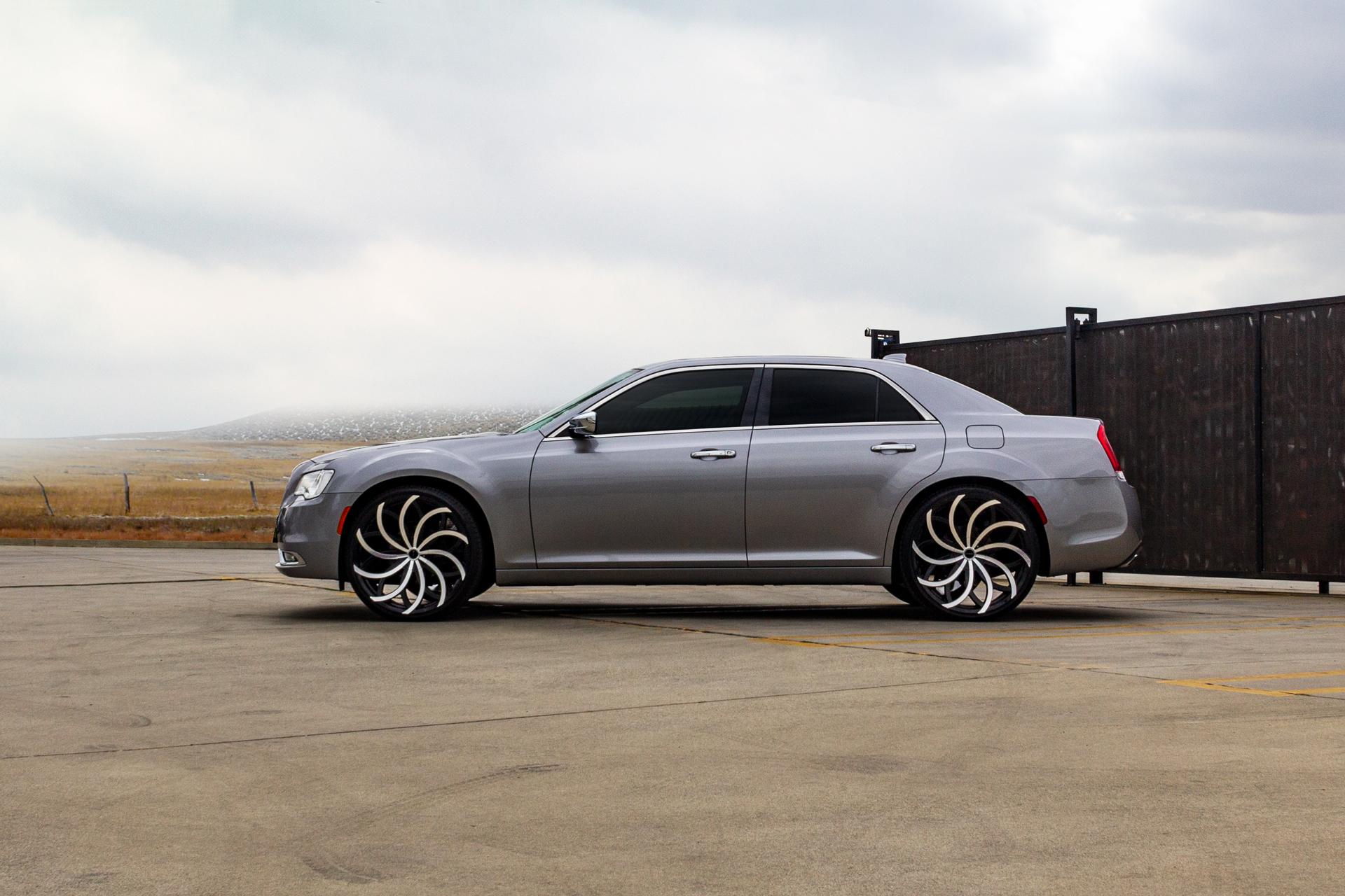 Chrysler C300 on Strada Huracan Wheels