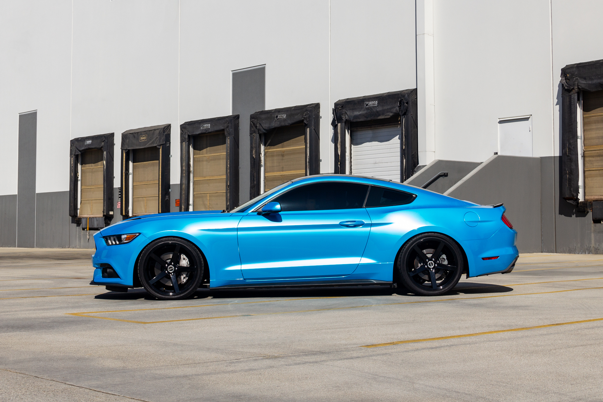 Strada Perfetto Ford Mustang